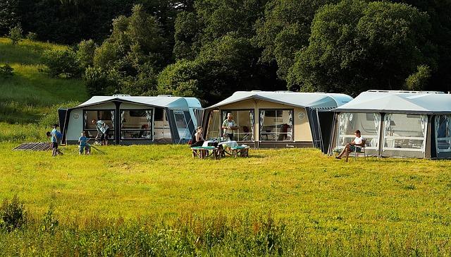 Van slapen in tenten tot een camping met privé sanitair